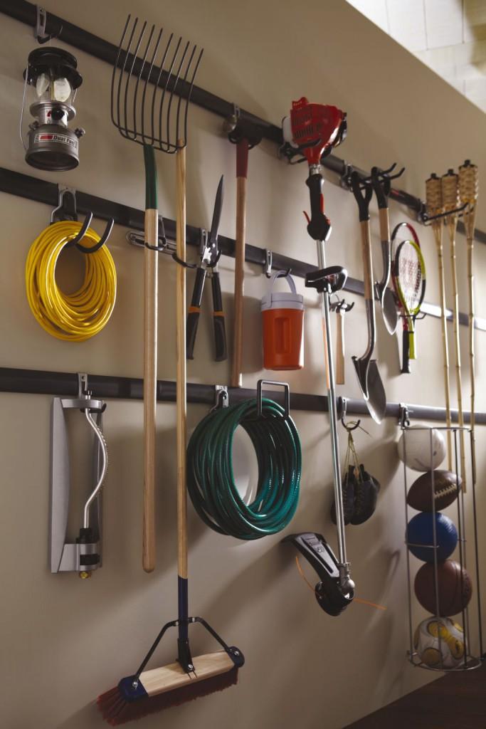 wall-storage-garden-utensil