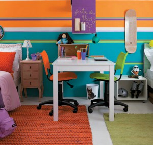 girl-and-boy-in-same-room-37
